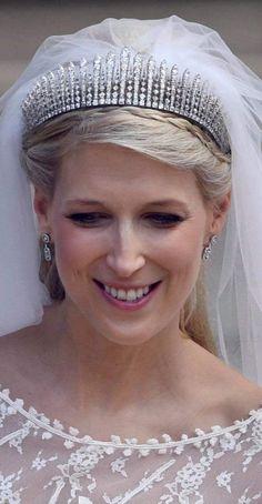 The bride's veil was anchored by the Kent City of London fringe tiara. The bride's veil was anchored by the Kent City of London fringe tiara. Royal Wedding Gowns, Wedding Tiaras, Royal Weddings, Royal Crowns, Royal Tiaras, Tiaras And Crowns, Royal Family Portrait, The Bride, Elisabeth Ii