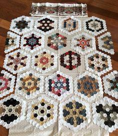 Hexagon Quilt Pattern, Hexagon Patchwork, Patchwork Patterns, Quilt Patterns, Patchwork Quilting, Quilting Projects, Quilting Designs, Sewing Projects, Millefiori Quilts
