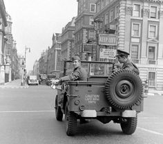 images of jeeps in war   War Jeep(:   WILLYS & FORD   Pinterest