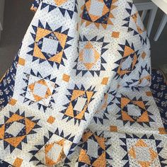 This beautiful quilt is made with Cheddar and Indigo and will be a FREE download on our website soon. Stay tuned! #pennyrosefabric #ilovepennyrose #quilts #quilting