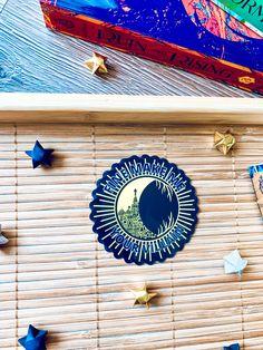 #shadowandbone #leighbardugo #stickershop #stickers #booklovers #booklovergift #etsyshop #etsyseller #etsygifts #mothersdaygift Reading Tree, Roses Book, Leigh Bardugo, Bubble Wrap Envelopes, Fantasy Series, Netflix Series, Book Lovers Gifts, Any Book, Sticker Shop