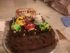 Angry Birds Cake - Learning to bake  Piglets, Red Yellow Angry Birds, Dates Cake