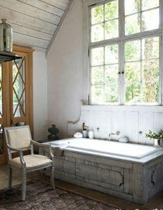rustikale badezimmer design ideen badewanne eingebaut dachgeschoss