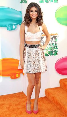 Selena Gomez accessorized with the Dogeared Faith cross necklace at the Nickelodeon Kids' Choice Awards.