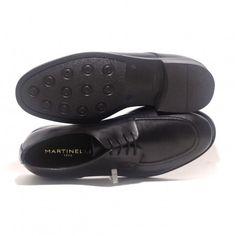 Elegante zapato Martinelli tipo blucher con punta redondeada. Siempre acertarás con ellos!