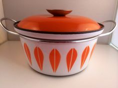 Mid century Cathrineholm Lotus vintage dutch oven pot with lid. Great condition. Enamel ware on Etsy, 660:00kr
