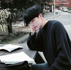 This is my favourite ulzzang, love Yoonji💕💕💕 Cute Asian Guys, Cute Korean Boys, Pretty Asian, Asian Boys, Cute Guys, Asian Men, Korean Boys Ulzzang, Ulzzang Couple, Ulzzang Boy