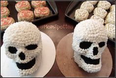 Wilton Dimensions® 3-D Skull Skeleton Cake Pan Tutorial on momspotted.com #Halloween #food