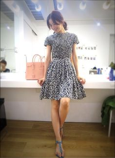 cute combination of shoes/dress Girl Fashion, Fashion Dresses, Fashion Looks, Womens Fashion, Fashion Design, Short Lace Dress, Ootds, Classy And Fabulous, Get Dressed