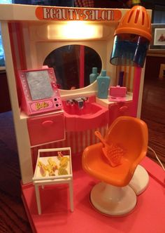 Vintage Barbie 1972 Beauty Center w/Box | Vintage barbie ...