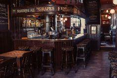 The Grapes pub - Wapping, London --- Note The Signage Above Bar. Garrison Pub, Irish Pub Interior, Café Colonial, Irish Bar, Home Pub, Whisky Bar, Pub Design, Old Bar, Classic Bar