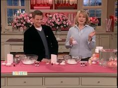 Martha Stewart and actor Doug Savant make their own fizzy bath bombs for a Valentine's Day gift.