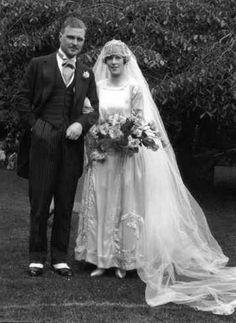 worn by Eva Smithie when she married Robert Newsome Bushill in Lancashire in 1921 Bridal Wedding Dresses, Wedding Attire, Bridal Style, Wedding Bride, Wedding Couples, Vintage Wedding Photos, Vintage Bridal, Vintage Weddings, Vintage Images