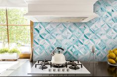 Edgewater Studio's Gallery of custom glass tiles. From kitchens to bathrooms, foyers to fireplaces. Custom wall features, art glass tiles, floor inlays and medallions. Custom Glass, Custom Wall, Mosaic Glass, Glass Art, Back Painted Glass, Pewter Art, Simply Home, Tile Installation, Stone Tiles