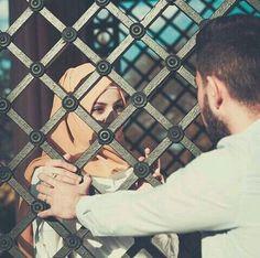 Urdu Romantic Poetry Image 2 Lines Poetry Image Couples Musulmans, Cute Muslim Couples, Couples Images, Muslim Girls, Cute Couples Goals, Romantic Couples, Wedding Couples, Muslim Family, Cute Love Couple