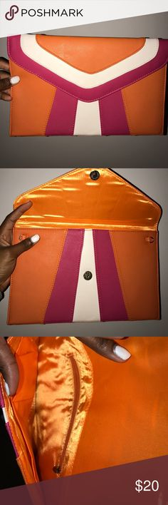 Color Block Envelope Clutch - BRAND NEW BRAND NEW NEVER USED - Super cute Bags Clutches & Wristlets