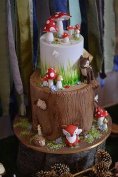 Woodland Baby Shower Woodland Critter Cake -- Woodland Baby Shower via Kara's Party Ideas Baby Boy Cakes, Cakes For Boys, Baby Shower Cakes, Shower Baby, Kid Cakes, Fairy Birthday, Birthday Parties, Cake Birthday, Birthday Cookies