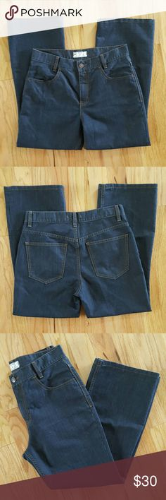 "Free People Dark Wash Jeans Doesn't seem like these jeans have ever been worn - excellent condition!!    Flat Measurements Waist 15""  Hips 19"" Inseam 25.5"" Free People Jeans"