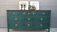 Annie Sloan Amsterdam green, Napoleonic blue, and aubusson blue mix, clear and black wax