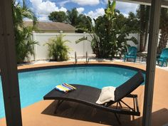 House in Bradenton, United States. My place is close to Florida's most famous white sandy beaches on Anna Maria Island and the world famous Siesta Key Beach. It is only 5 minutes to the IMG Academy, 15 minutes to Sarasota airport. Close to shopping, entertainment, restaurants, natu...