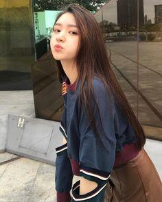 Ulzzang Korean Girl, Cute Korean Girl, Asian Girl, Cute Girl Face, Cute Girl Photo, Cool Girl, Korean Beauty Girls, Korean Girl Fashion, Beautiful Chinese Girl