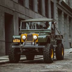 Timm Cooper built Series One 107 Ute for sale. Built on a wheelbase chassis. The original Land Rover engine that produced a… Landrover Defender, Landrover Serie, Cj Jeep, Jeep 4x4, Auto Jeep, Land Rovers, Vintage Trucks, Old Trucks, Offroader