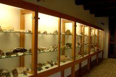 Alcune sale del museo Comunale dei fossili e dei minerali #marcafermana #montefalconeappennino #fermo #marche