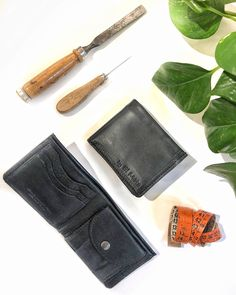 A black leather wallet for man, handmade in Italy. We use only tuscan full grain leather (cowhide) Handmade Leather Wallet, Vegetable Tanned Leather, Leather Accessories, Italian Leather, Black Leather, Italy, Bags, Handbags, Italia