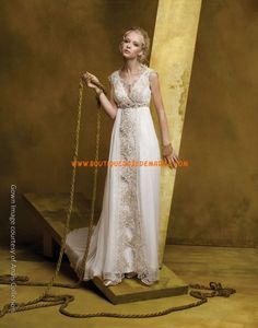 Robe de mariée bohémienne taille empire traîne