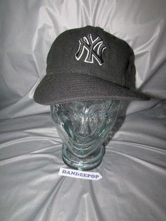 b8f56210fd6 New York NY Yankees Black   White New Era 59Fifty Baseball Hat Cap 7 1