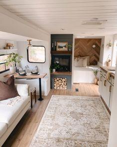 Tiny House Living, Rv Living, Kombi Home, Rv Homes, Van Home, Kabine, Camper Makeover, Camper Renovation, Camper Interior