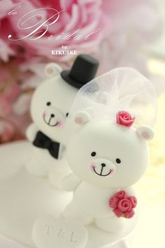 LOVE ANGELS Wedding Cake Topper-love bear, via Flickr.