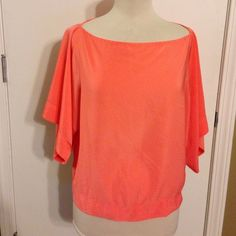 Zara Top! Zara Basic peach Top! Excellent condition! Silky material with oversized sleeves! Flowy trendy top!! Zara Tops