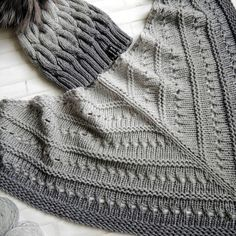 бактус спицами - Поиск в Google Knitted Shawls, Crochet Scarves, Crochet Shawl, Knit Crochet, Lace Knitting, Knitting Stitches, Knitting Patterns, Crochet Patterns, Hat And Scarf Sets