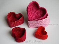 Crochet Pattern of 5 Crochet Basket - Heart