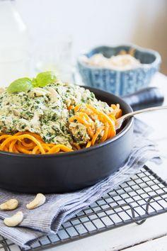 Marchwiowe spaghetti z sosem z nerkowców