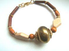 Bracciale perle di legno color cioccolato e nocciola di LeSirenes, €12.90