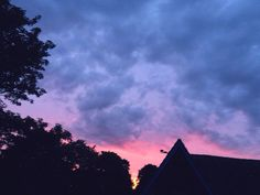 Pretty sky at the back of my house♡