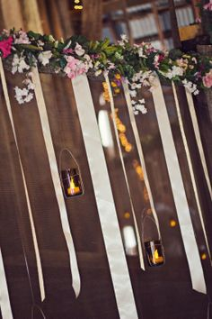Rustic Missouri Farm Wedding | Decor #weddinggarland