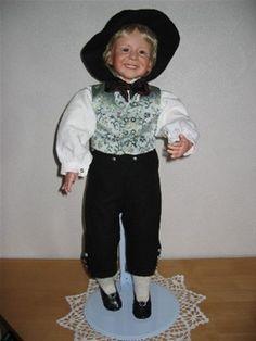 Bunadsdukker - www.dukkestua.no Norway, American Girl, Doll Clothes, Pride, Hipster, Costumes, Dolls, Style, Fashion