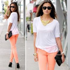 Coral Jeans white shirt and black accessories! Very cute #fashion