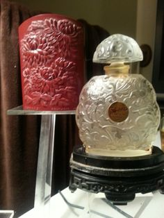 'Kobako' by Bourjois is a Chypre Floral fragrance for women. Kobako was launched in 1936. The nose behind this fragrance is Ernest Beaux.