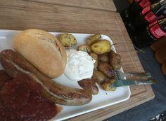 #hummercatering #currywurst #delux #Grill #BBQ #Catering #service in #Köln #Cologne . #hausgemacht #currysoße #rosmarinkartoffeln http://ift.tt/2oEQvZ3