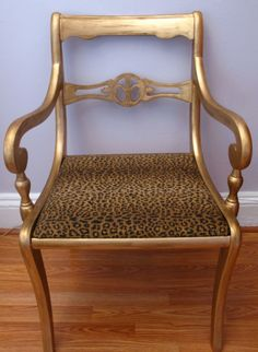 Le Home Brooklyn - Upcycled Furniture Cleaned and painted the entire frame using Liquid Gold Leaf paint and then aged it with Rub n' Buff, and reupholstered the seat in a fun, exotic leopard print. Diy Furniture Projects, Upcycled Furniture, Home Furniture, Chair Makeover, Furniture Makeover, Chair Redo, Old Chairs, Vintage Chairs, Painted Chairs