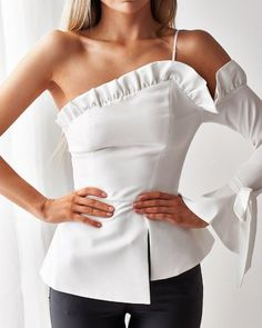 lepo One Shoulder Ruffles Irregular Casual Blouse Online. - lepo One Shoulder Ruffles Irregular Casual Blouse Online. Basic Fashion, Look Fashion, Plus Size Fashion, Womens Fashion, Fashion Tips, Fashion Design, Fashion Trends, Fashion Hacks, Classy Fashion