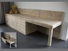 Ruime speelgoedkist met tafeltje van echt steigerhout