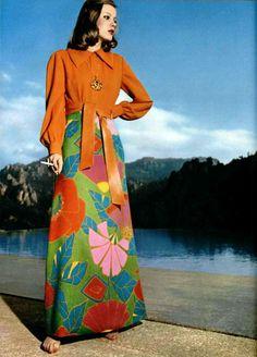 Flower power with a touch of 40s ... Carven Pret a Porter L'Officiel magazine 1974
