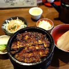 """浅草うな鐵 本店 in 浅草, 東京都. Hmm, seemingly delicious hitsumabushi in Asakusa at """"Asakusa Unatetsu"""" Junk Food, Japanese Food, Ramen, Tokyo, Pork, Restaurant, Dinner, Cooking, Recipes"""
