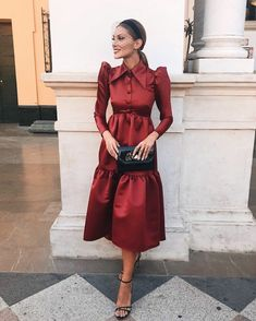 Fall Fashion Tips Casual chic dress with trendy puff sleeves.Fall Fashion Tips Casual chic dress with trendy puff sleeves. Modest Dresses, Simple Dresses, Cute Dresses, Cute Outfits, Unique Fashion, Womens Fashion, Fashion Tips, Fall Fashion, Stitching Dresses