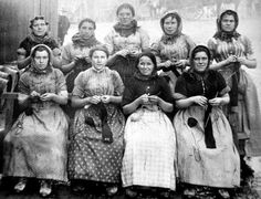Old ancestry visit genealogy Scottish family history photograph of fishwives…